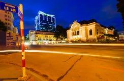 Teatro municipal, Ho Chi Minh City por noche foto de archivo libre de regalías