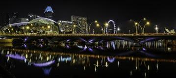 Teatro por noche, Singapur de la explanada Fotografía de archivo