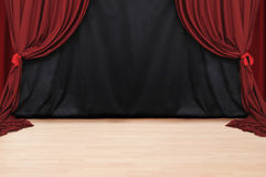 Teatro rojo del terciopelo   Fotografía de archivo libre de regalías