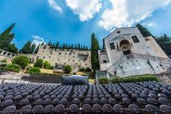 Teatro Romano i Verona och arkeologiskt museum royaltyfri foto