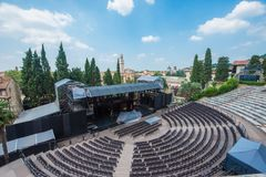 Teatro Romano och River Adige i den Verona staden royaltyfri bild