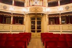 Teatro, vista interna, arena e balconi fotografia stock