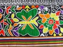 Tecelagem tradicional do norte de Teenjok dos sarongues em Tailândia Fotos de Stock