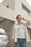 tech för telefon för man för bilcellutgångspunkt Royaltyfria Foton
