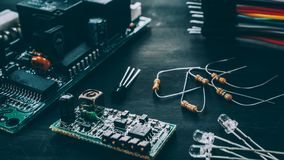 Free Technical Analysis Repair Electronic Components Royalty Free Stock Images - 160114249
