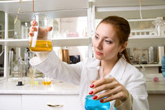 Technicien de laboratoire photos stock