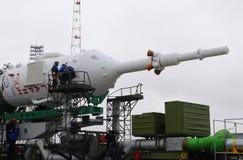 Technicy na Soyuz statku kosmicznym Zdjęcie Stock