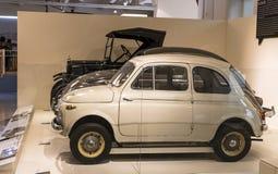 Techniczny muzeum w Wiedeń eksponuje ekspozycj teraźniejszość historia rozwój pojazdy i motocyklu moped bi Zdjęcia Stock