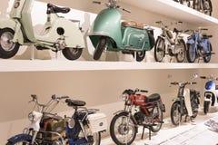 Techniczny muzeum w Wiedeń eksponuje ekspozycj teraźniejszość historia rozwój pojazdy i motocyklu moped bi Obraz Royalty Free