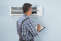 Technik patrzeje lotniczego conditioner z schowkiem Obrazy Royalty Free