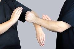 Techniki Skrzydłowy Chun Kung Fu w występie młode atlety Zdjęcia Stock