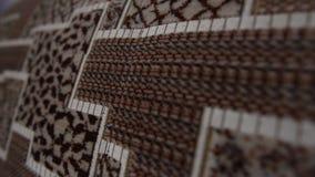 Techniki tapicerowanie nowa kanapa patrzeje jak jednostka centralna z elektronicznymi narzędziami zbiory wideo