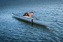 Technique 1 de roulement de kayak Images libres de droits