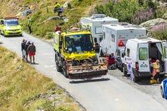 Technische Vrachtwagen in Alpen - Ronde van Frankrijk 2015 stock afbeeldingen
