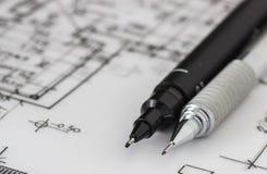 Technischer und mechanischer Stift auf Zeichnung Lizenzfreies Stockbild