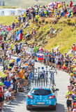 Technisches Auto auf Col. du Glandon - Tour de France 2015 Lizenzfreie Stockbilder