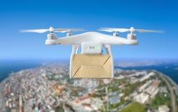 Technologiczna transport innowacja - trutnia szybki doręczeniowy pojęcie Zdjęcie Royalty Free