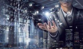 Technologieën voor verbindende mensen Gemengde media Stock Foto