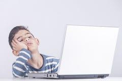 Technologie, éducation et concept d'apprentissage en ligne Photo stock
