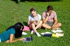 Technologie d'amour d'étudiants Photo stock