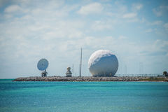 Technologie de dôme de radar sur la côte Image libre de droits