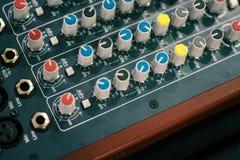 technologie de mélange électronique de media d'instrument de console de fond Photographie stock libre de droits