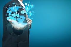 Technologie in den Händen der Geschäftsmänner Stockbild