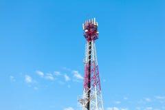 Technologie du sans fil d'antennes de tour de télécommunication de technologie Photographie stock libre de droits