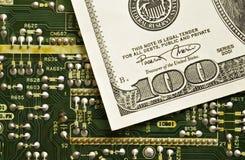 Technologie en geld royalty-vrije stock afbeelding