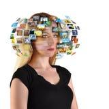 Technologie Fernsehfrau mit Bildern Stockfotografie