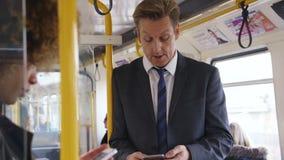 Technologie im Zug stock video