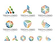 TECHNOLOGIE-LOGO-DESIGN MIT STEIGUNGS-FARBE Stockfotos