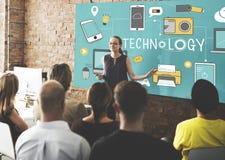 Technologie-Social Media-Vernetzungs-on-line--Digital-Konzept lizenzfreie stockfotografie