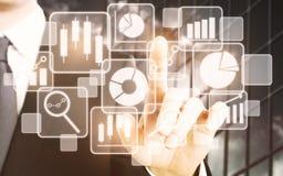 Technologie, touchscreen en netwerkconcept Royalty-vrije Stock Afbeeldingen