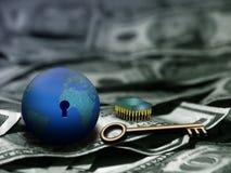Technologie u. die Taste zum Reichtum Stockfoto