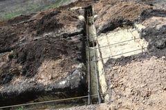 Technologie van het graven tranches onder de stapel en bandbasispret stock fotografie