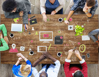 Technologie-Verbindungs-on-line-Vernetzungs-Medium-Konzept lizenzfreie stockfotos