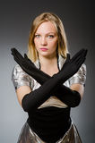Technologie-vrouw in futuristisch Stock Foto's