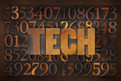 Technologie-woord in houten type Stock Foto