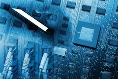 Technologiehintergrund mit Smartphone, Drahtseilvernetzung, EL Lizenzfreies Stockbild