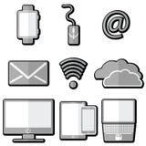 Technologieikonen mit Tablette, Handy, intelligente Uhr, Etzeichen, Laptop, elektronische Post, Wolkenspeicher, rechnende Wolke,  Stockbild