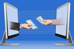 Technologiekonzept, zwei Hände von den Monitoren Flugticket und Hand mit Bargeld Abbildung Stockbilder