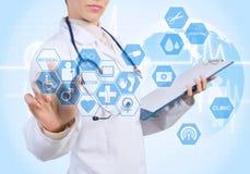 Technologies innovatrices dans la médecine Images stock