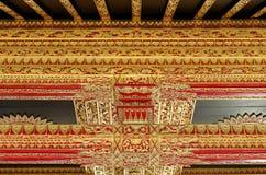 Techo con el ornamento hermoso en palacio del sultanato de Yogyakarta Foto de archivo