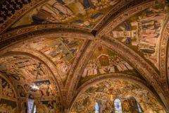 Techo de la basílica de StFrancis de Assisi Italia imágenes de archivo libres de regalías