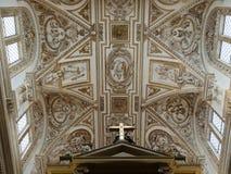 Techo de la mezquita del grea en Córdoba imagenes de archivo