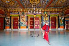 Techo de las puertas de Entrance Rumtek Monastery del monje foto de archivo