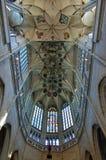 Techo saltado - interior de la iglesia del St Barbara, Kutna Hora, República Checa imágenes de archivo libres de regalías