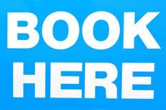 Tecken av boken här Fotografering för Bildbyråer