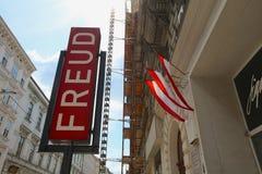 Tecken av det Sigmund Freud museet i Wien arkivfoton